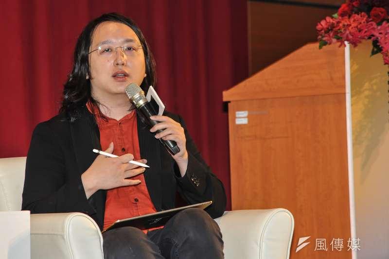 政務委員唐鳳以「心靈流感」戲稱網路假新聞,認為需要更多元意見的呈現與衝擊才能破除謠言,政府不必插手管制。(甘岱民攝)