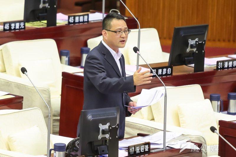 201704012-台北市議員阮昭雄12日於市議會質詢。(顏麟宇攝)