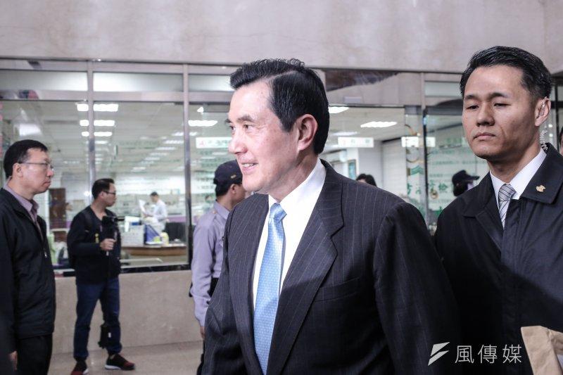 政治大學副教授劉宏恩在臉書上質疑馬英九在受訪時持麥克風是特權,對此北檢表示,北檢並無參與北院審理馬案的出庭場地規劃。(資料照,甘岱民攝)