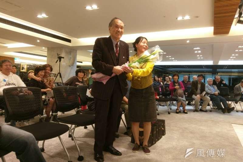 2017-04-16-彭明敏出席《自由的滋味》與 《逃亡》再版簽書會02-陳俐穎攝