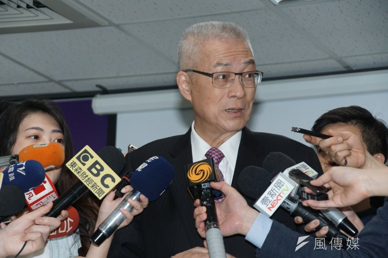 投入國民黨主席選舉的前副總統吳敦義出席官方Line帳號發表會。(盧逸峰攝)