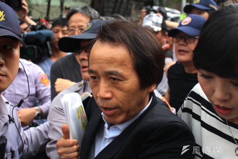 2017-04-19-反年金改革軍公教團體包圍立法院抗議-林欽榮-方炳超攝