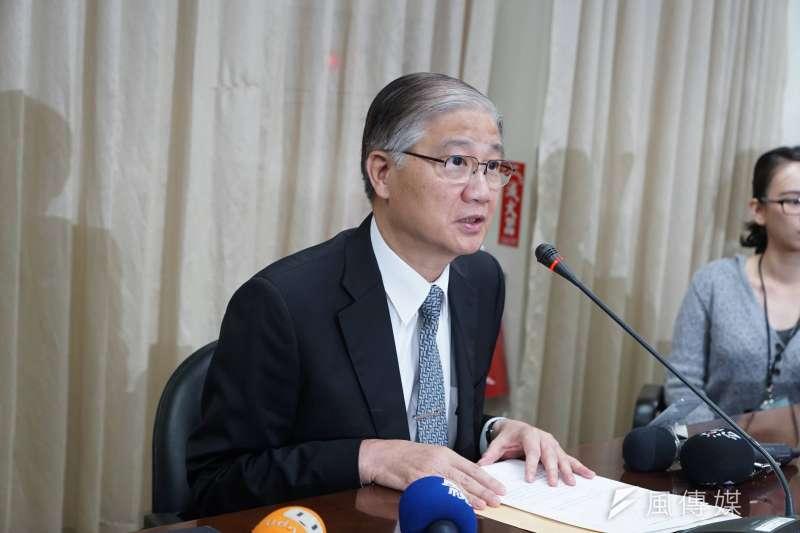 台灣大學校長楊泮池表明不再續任,但論文風波對台大、對高教造成的傷害可能才開始。(盧逸峰攝)