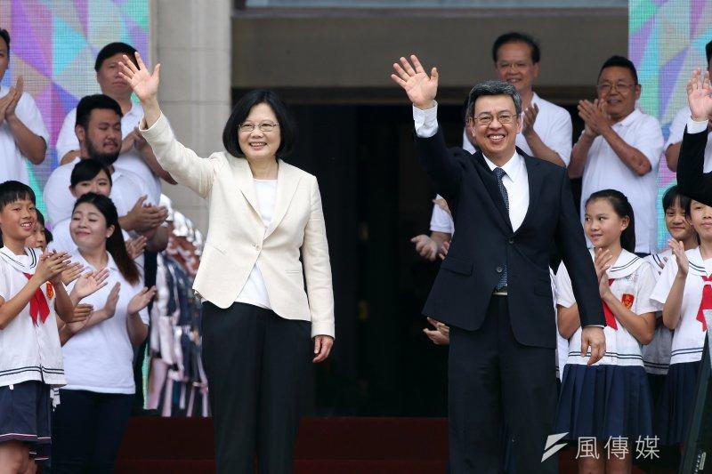 作者指出,連真正虧損的公司都難逃被逼稅的命運,長期以來台灣租稅環境不利於企業,逼走了外商。(資料照,總統府提供)