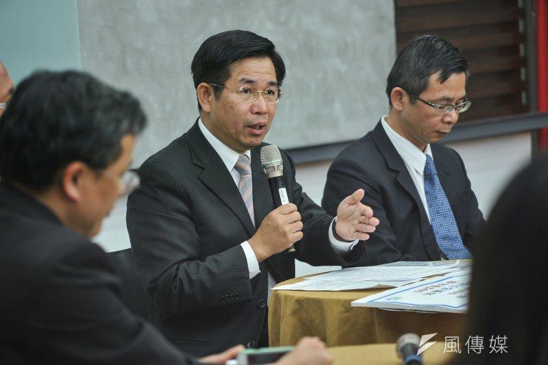 教育部長潘文忠在行政院會報告玉山計畫。(資料照片,甘岱民攝)