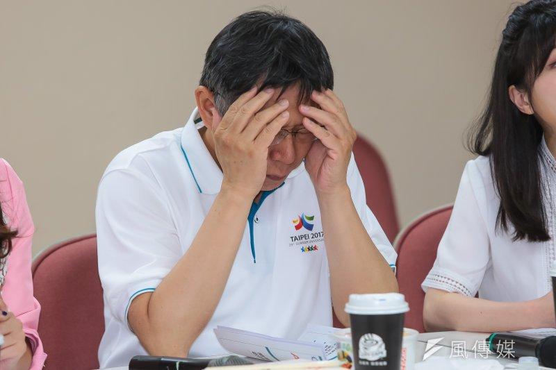 柯文哲10日赴市議會民進黨團報告容積代金制時,脫口「被強暴的比被誘姦的便宜」,柯11日為失言致歉,「錯了就錯了,我道歉」。(資料照,顏麟宇攝)
