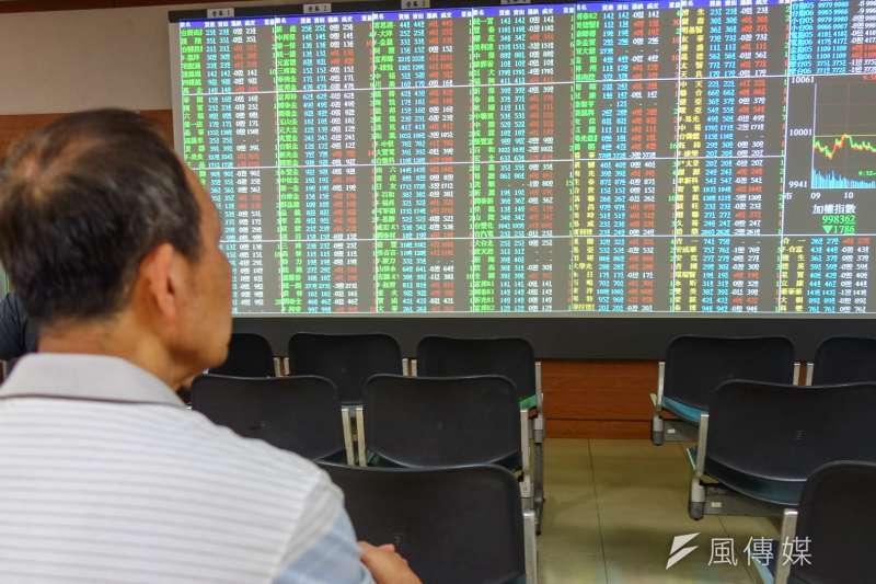 台股股王大立光11月營收表現不如預期,6日股價盤中重挫470元至跌停4260元價位。(資料照,陳明仁攝)