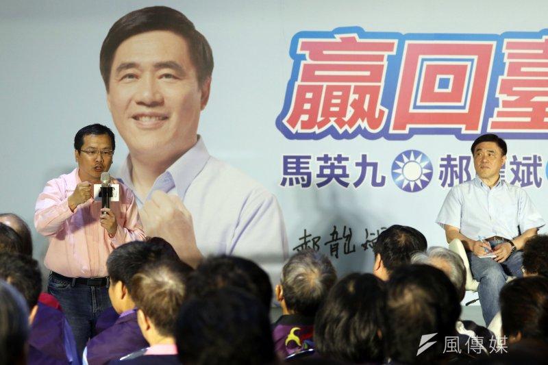 前總統馬英九15日下午出席國民黨主席候選人郝龍斌所舉辦的「贏回臺北-馬英九、郝龍斌與基層有約」座談會。前總統府副秘書長羅智強(左)也出席支持。(蘇仲泓攝)