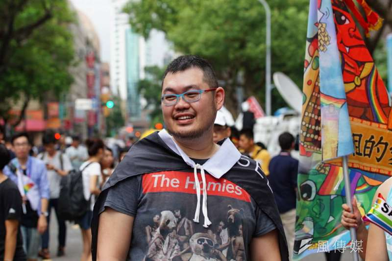 20170524-圖中為四叉貓 青島東路上挺同民眾 同性戀 婚姻平權 同志(盧逸峰攝)