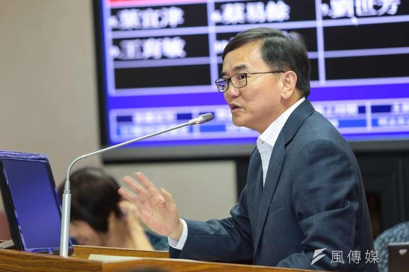 民進黨團幹事長劉櫂豪今(8)日受訪時表示,一例一休最快能在1月底三讀過關。(資料照,顏麟宇攝)