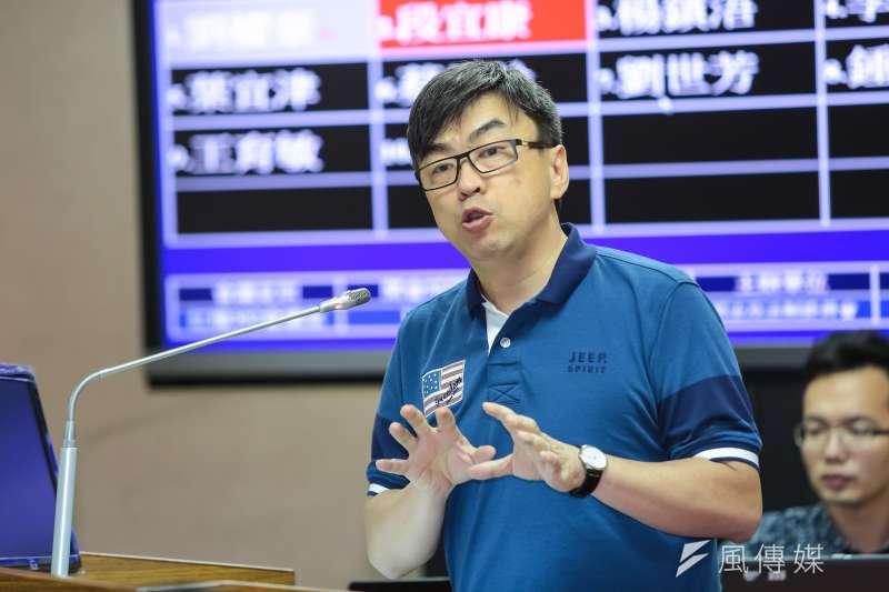 民進黨立委段宜康曾批評「北農已淪為少數人操控價格的政治工具」,遭時任北農總經理韓國瑜控毀謗罪,今獲不起訴。(資料照,顏麟宇攝)