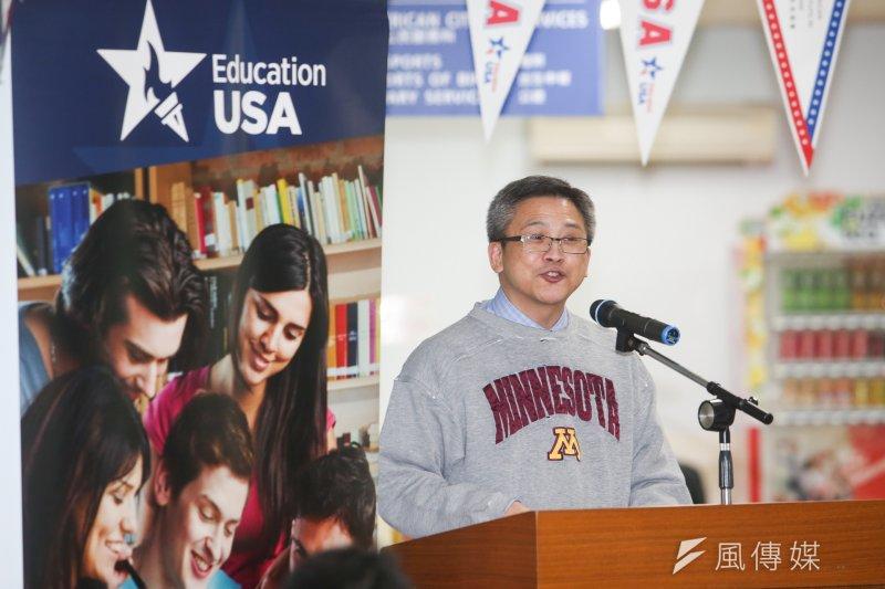 美國在台協會25日舉辦「學生簽證日」,梅健華也出席致詞歡迎及加油。(陳明仁攝)