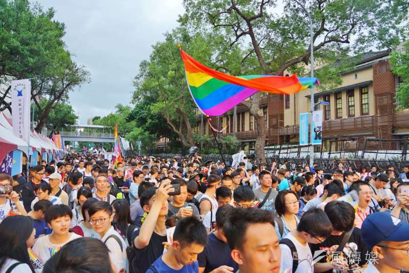 20170524-婚姻平權大平台活動,許多支持同志婚姻者出席。(盧逸峰攝)