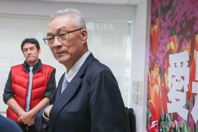 國民黨主席當選人吳敦義與現任主席洪秀柱因中央委員名單而產生角力。(資料照,陳明仁攝)