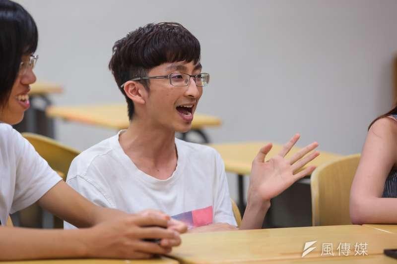20170525-跨性別專題,台大學生專訪,台大學生會新聞部李柏寬部長。(顏麟宇攝)