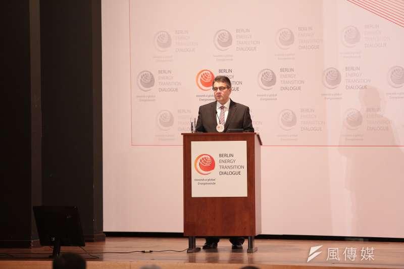 德國離岸風電專題。德國副總理西格瑪爾.賈布里歐(Sigmar Gabriel)2017年3月於能源轉型論壇(Berlin Energy Transition Dialogue)致辭。(顏麟宇攝)