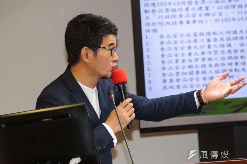 民進黨立委劉建國被黨團強制要求離開衛環委員會。(顏麟宇攝)
