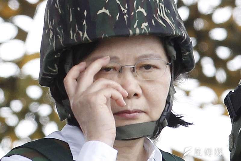 2017年國軍漢光33號演習實兵操演,蔡英文總統校閱(AP)