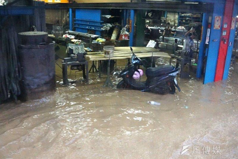 台北、新北、基隆等都會區、以及雲林古坑大淹水,讓人見識氣候的捉摸難測,同時也暴露出都會防洪的脆弱。(資料照,盧逸峰攝)