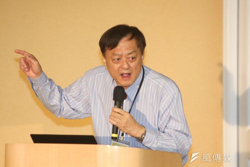 陳情人葉頌仁在聽證過程,也不時表現出對國民黨的厭惡,他說,「國民黨吃台灣米,心向對岸、心向自己口袋,良心被狗吞掉了!」(陳明仁攝)
