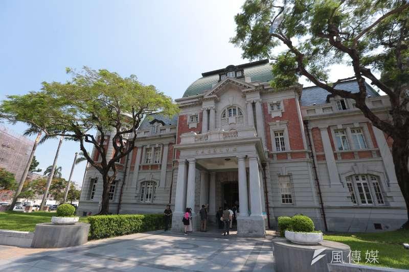 台灣國家文學館,正在展出葉石濤先生的一把藤椅。(資料照,顏麟宇攝)