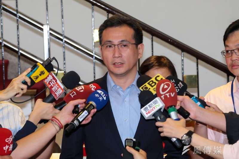 針對台灣交通事故死亡曾超過1年7000人,民進黨立委鄭運鵬表示,已提出刑法增訂交通事故專章的修正案,對於可責性高者,應提高刑責及加重罰金,才能達到警示與懲罰效果。(資料照,顏麟宇攝)