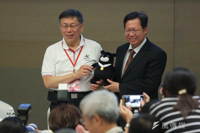台北市長柯文哲(左)表示,雙城論壇也會找台灣在上海的商會見面,他說,「從企業、民間社團交流是最沒有爭議。」(顏麟宇攝)