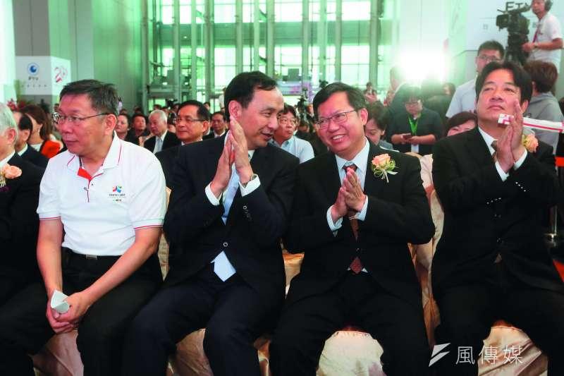 賴清德(右一)在台北市長的民調,與柯文哲(左一)有段差距。(柯承惠攝)