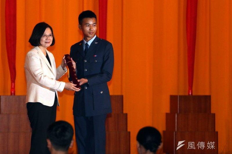 總統蔡英文上午出席三軍六校院聯合畢業典禮。(蘇仲泓攝)