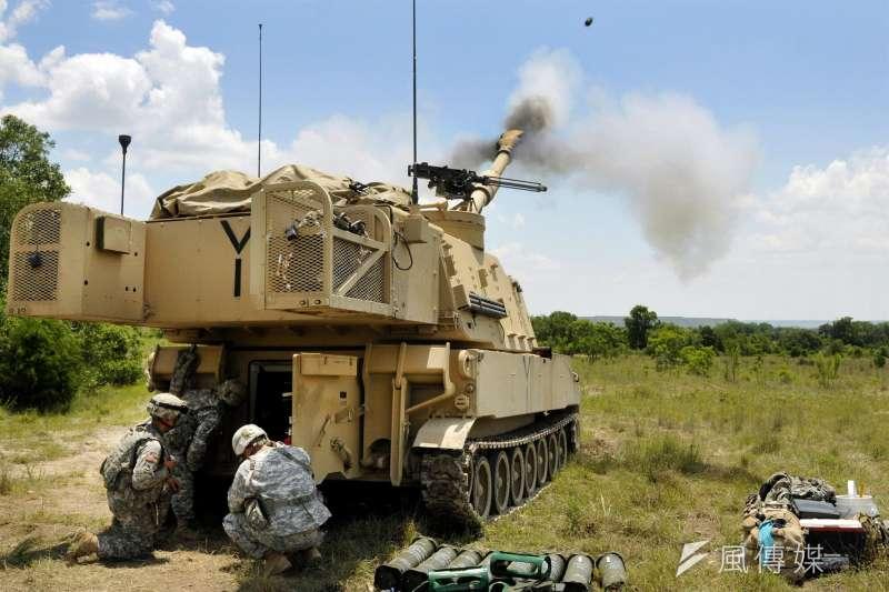 儘管外傳內容應和事實相去不遠,國防部態度仍維持一貫低調。圖為M109A6自走砲發射情形。(資料照,取自美國國防部)