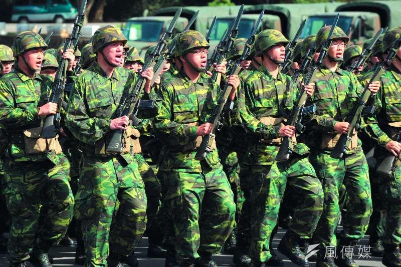 如果明年兵員仍不足,將可能繼續徵集82年次以前役男及修法延長軍事訓練役期。(林瑞慶攝)