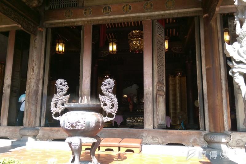鹿港龍山寺,宗教,廟宇,香爐(風傳媒)