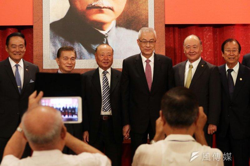 前副總統吳敦義上午「出席中華民國退伍軍人協會紀念抗戰80週年及創會29週年會慶」。(蘇仲泓攝)