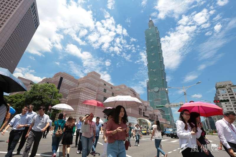 氣象達人彭啟明指出,近日的高溫炎熱氣候還會持續好一陣子,預計要到7月下旬才可能出現變化。示意圖。(資料照,顏麟宇攝)