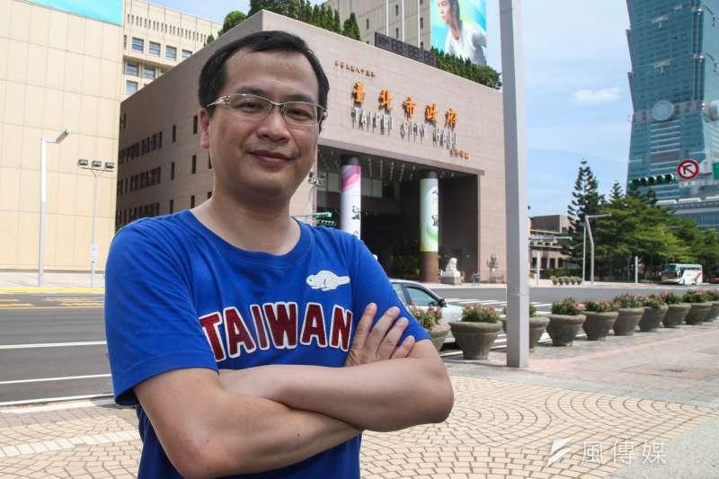 總統府前副秘書長羅智強1日表示,目前臉書粉絲專頁按讚數未突破百萬,因此不會參選下屆台北市長。(資料照,陳明仁攝)