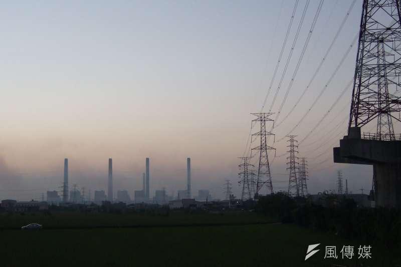 台中發電廠,台中電廠(笨笨的小B@Wikipedia / CC BY-SA 2.0)
