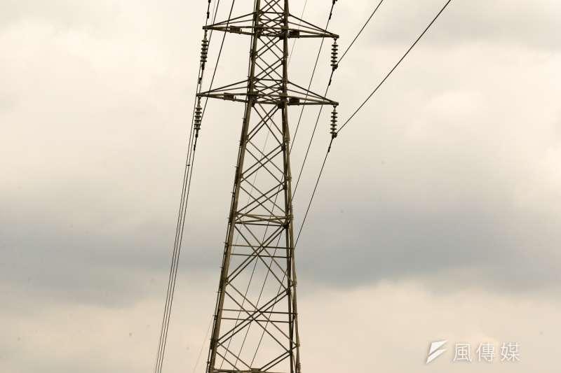 作者認為,要避免缺電情況之發生,短期可以採行的措施包括:加大節能及需求面管理之力度,適度放寬電價管制使其發揮調節供需之機制;長期可以採行之措施包括:產業政策及結構之調整、與其他國家之電力系統連網等。(示意圖,陳明仁攝)