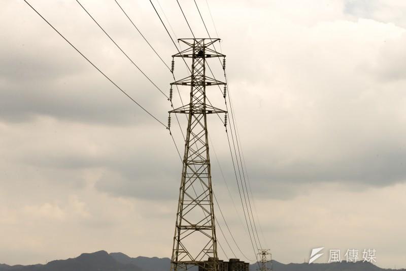 一根電塔就引來台灣缺電危機。(陳明仁攝)