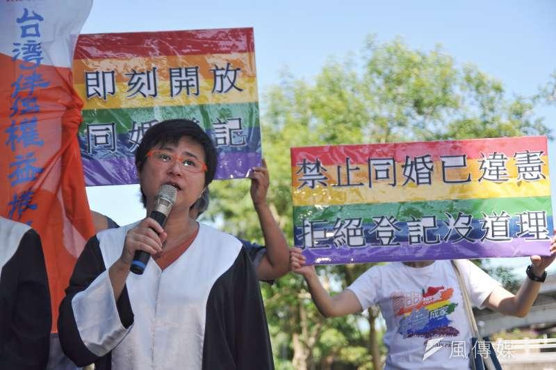 20170809-伴侶盟「平等不能再等,請法院即刻准許同性伴侶結婚登記」記者會,理事長許秀雯。(甘岱民攝)