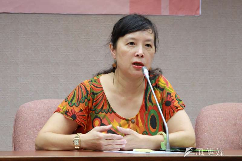 2017-08-09-台灣陪審團協會召開記者會,批司改國是會議「開假的」-蕭曉玲。 (方炳超攝)