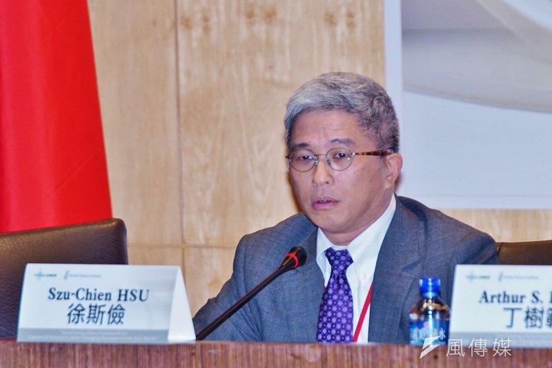 台灣民主基金會執行長徐斯儉18日指出,中國內部政治的不確定性讓外界無法得知它的實際狀況,而事實上,他們自己可能也不知道,這也是習近平何以能輕易在國際關係上有所斬獲的原因。(盧逸峰攝)