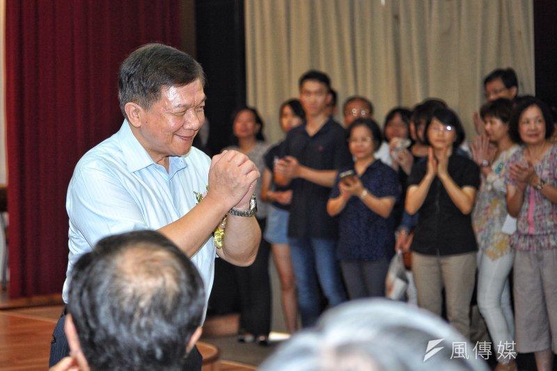 20170818-經濟部長惜別會,李世光向眾人致意。(甘岱民攝)