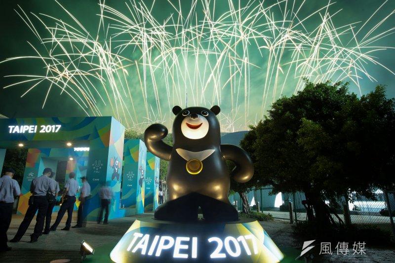 世大運開幕典禮最後,進行煙火表演。(顏麟宇攝)