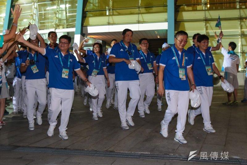20170819-世大運19日晚間舉行開幕式,中華隊壓軸入場受到民眾熱烈歡迎。(顏麟宇攝)