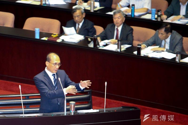 行政院長林全表示,815停電是人為疏失,所以以專案來處理,補償要高於台電過去的標準,也比其他國家高。(陳明仁攝)