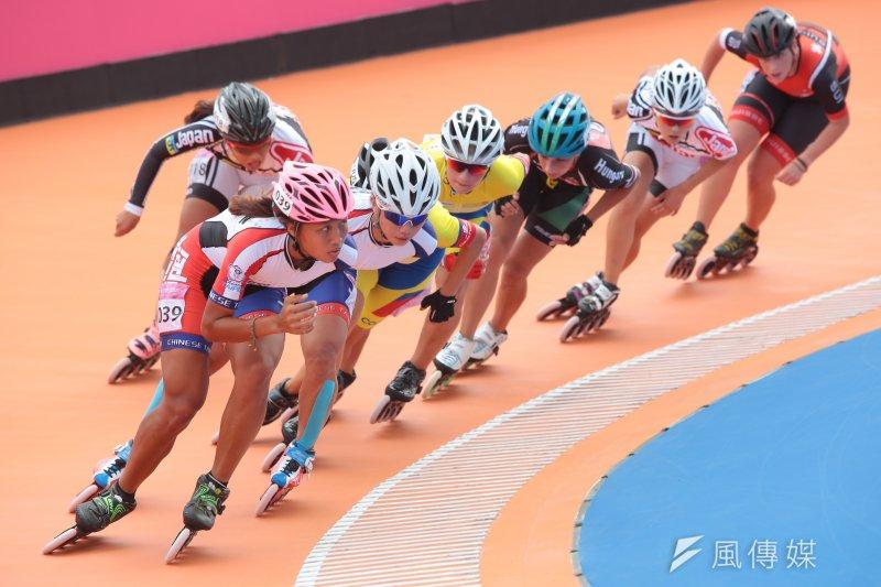20170822-世大運中華女子滑輪隊22日於15000公尺淘汰賽中,包辦金銀兩面獎牌,選手楊合貞(編號040)奪金、李孟竹(編號039)奪銀。(顏麟宇攝)