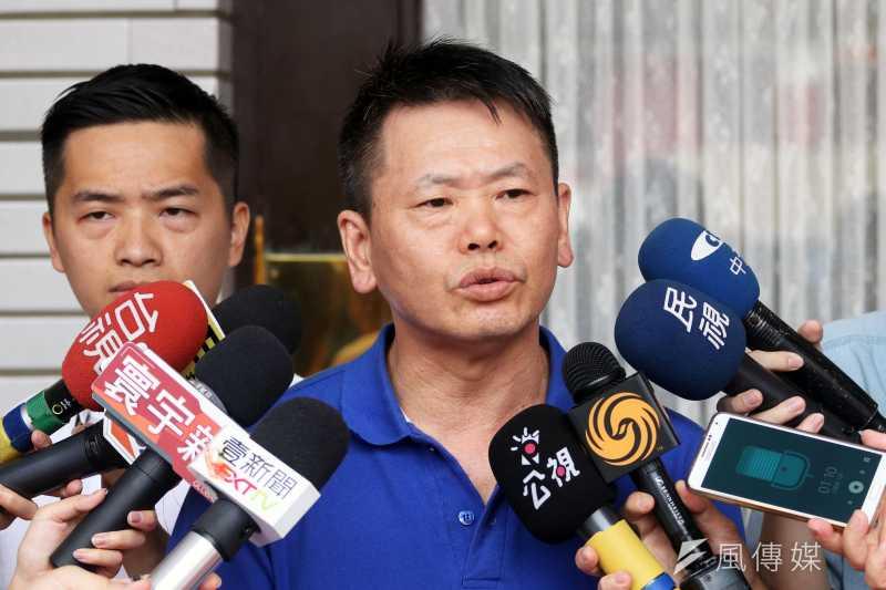 20170822-國民黨立院黨團書記長林為洲上午在議場外接受訪問。(蘇仲泓攝)