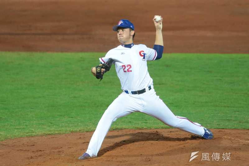 20170823-世大運棒球23日晚間於天母棒球場上演中韓大戰,由22號左投林恩可先發。(顏麟宇攝)