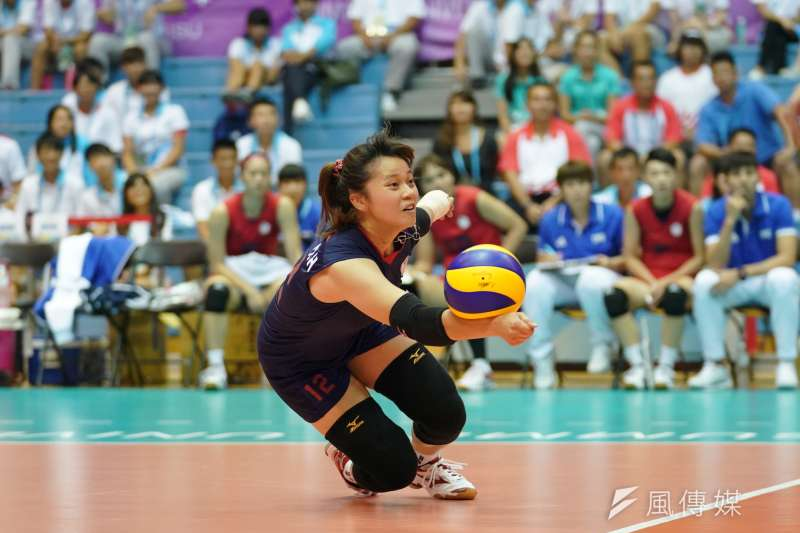 中華隊對上南美阿根廷隊,以直落三勝出挺進四強,明晚將與女排強權日本,力爭金牌戰門票。(大專體總提供)
