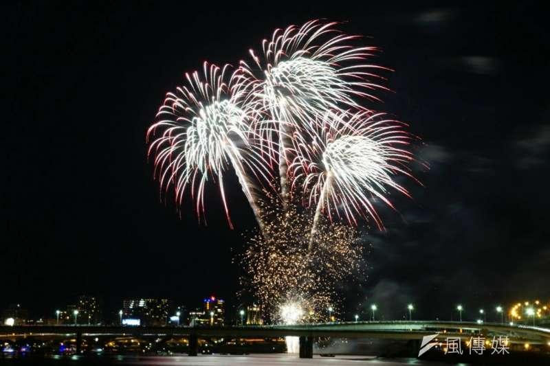 今年的國慶煙火將於台東舉辦,希望藉著煙火照亮從風災中再度站起來的台東。(資料照,盧逸峰攝)